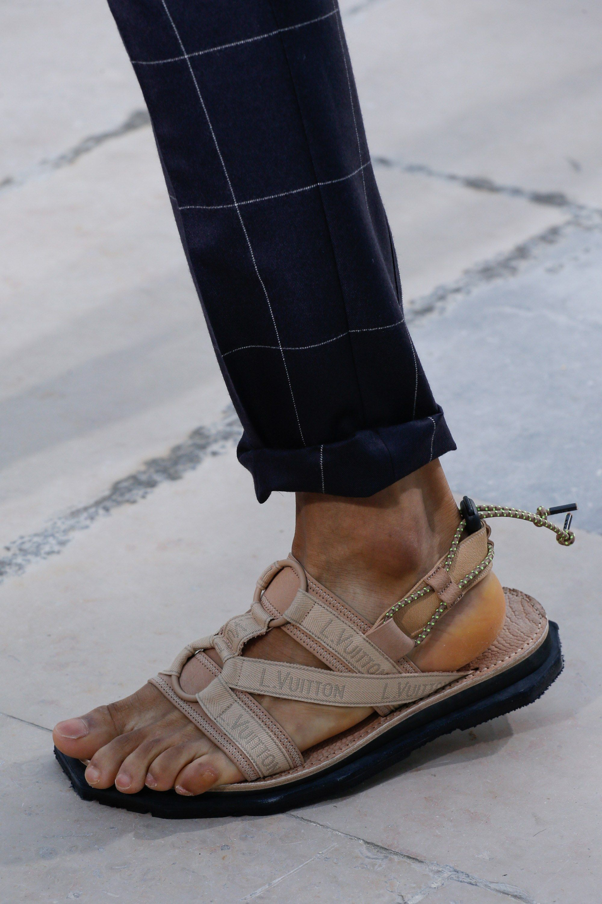 09824173bcf See detail photos for Louis Vuitton Spring 2017 Menswear collection.   Mensaccessories