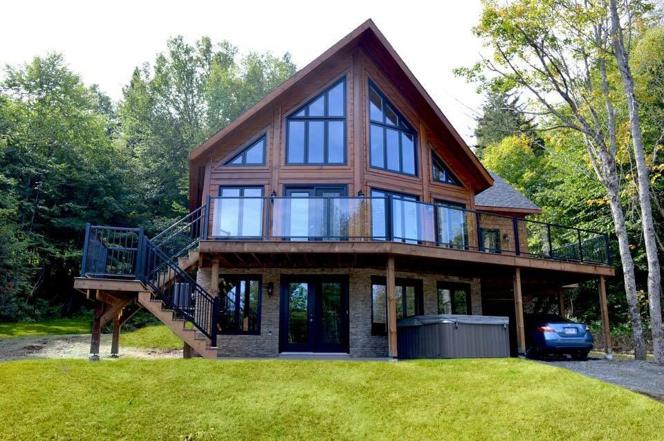This Is An Amazing Cottage It S Once Of 17 Built In A Unique Resort In Beautiful Quebec Canada You Rustic Houses Exterior Mountain House Plans Cottage Plan
