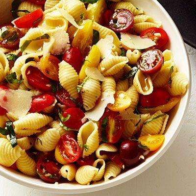 Seashells with Basil, Tomatoes, Garlic