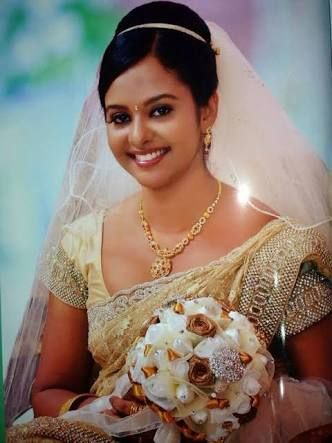 9a286252da3 christian bride in white saree and jewellery - Google Search ...