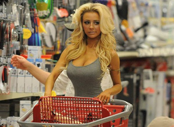 Hot girl grocery shopping davis