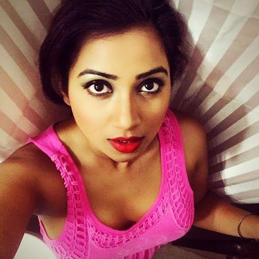 Shreya Ghoshal-Sexy-Selfie  Hot,Hotter,Hottest  Shreya Ghoshal Hot, Sexy, Actress Pics-8028