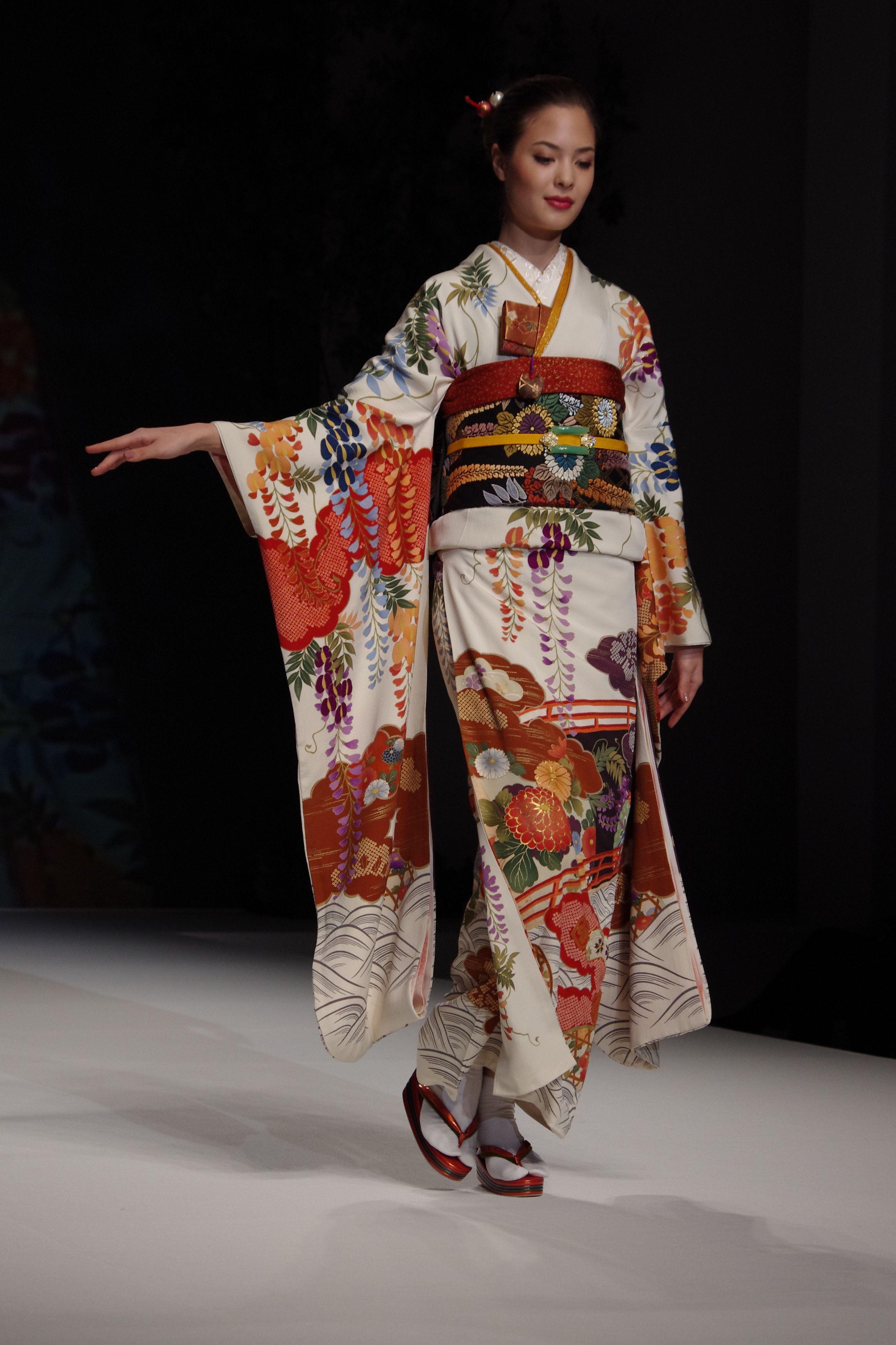 Yukiko Hanai Spring Summer Collection 2012 _The Traditional Kimono | KIMONO | 浴衣 ...