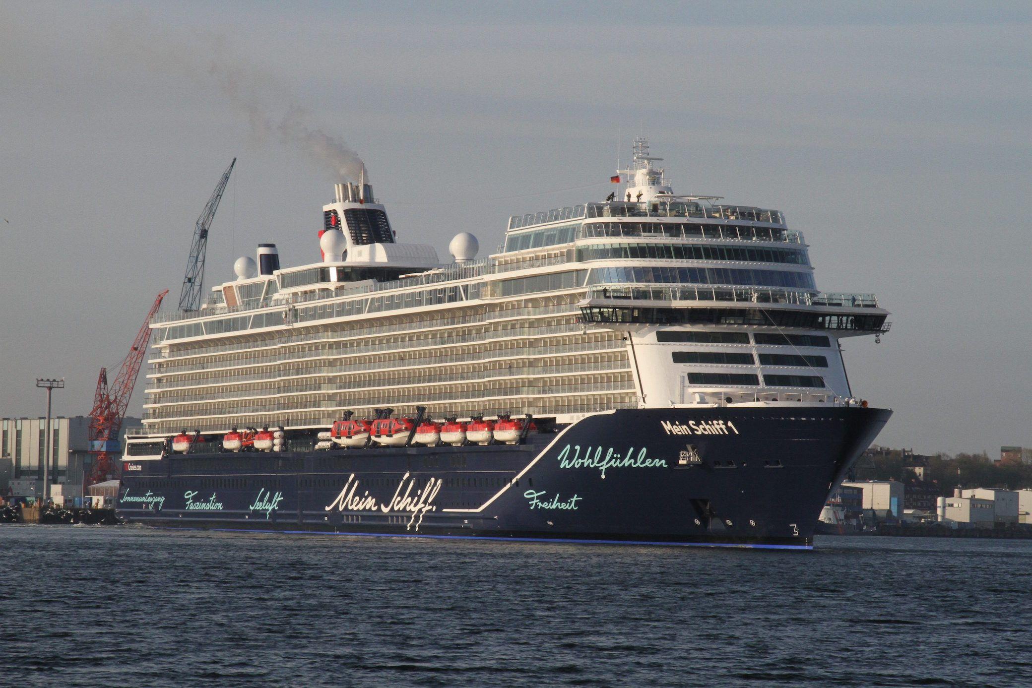 Das Bietet Die Neue Mein Schiff 1 Schiff Tui Schiff Kreuzfahrt