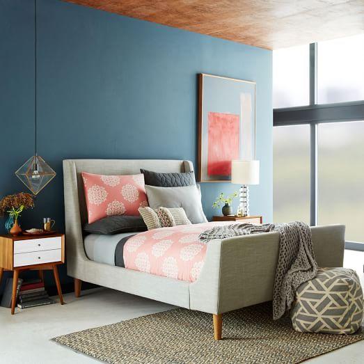 Upholstered Sleigh Bed   Linen Weave