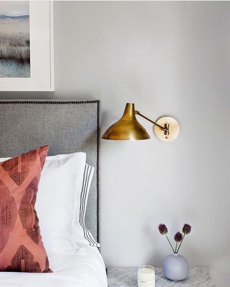 Best 25 Bedroom Sconces Ideas On Pinterest Bedside Wall Lights Tufted Bed And Sconces Slaapkamer Huis Verlichting