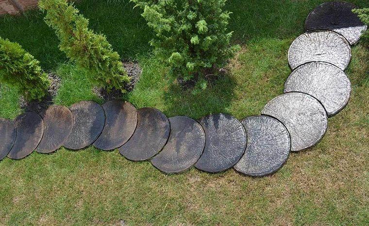 Giardini con sassi forma rotonda sentiero giardini con for Giardini con sassi colorati