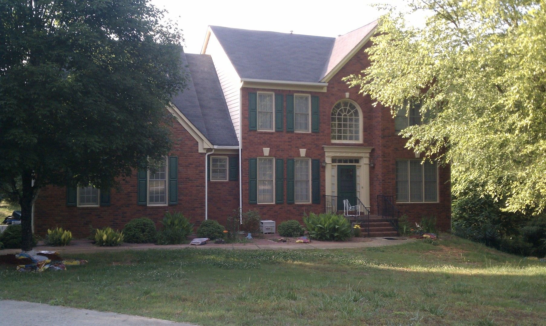 140 hillcrest point spacious home on large lot for rent