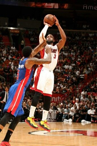 Dwayne Wade Fade Away Jumper Awesome Miami Heat Dwyane Wade Miami