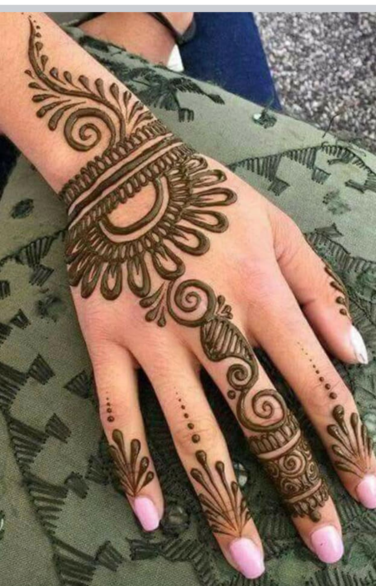 Easy mehndi design