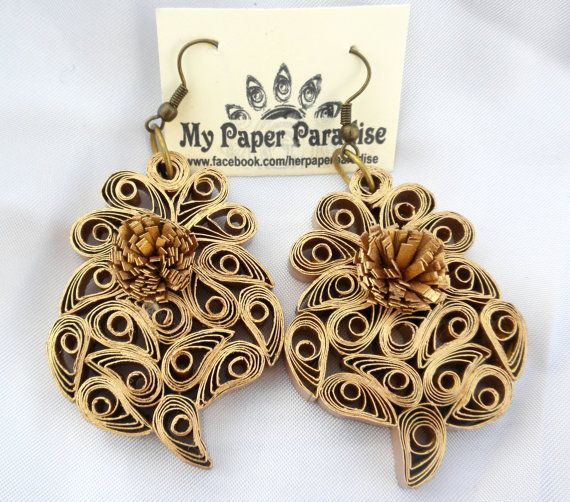 Quilling Viana's heart golden earrings hand by Herpaperparadise