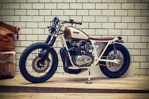 KINGSTON CUSTOM - HONDA CB550 Brat Style #motorcycles #bratstyle #motos | caferacerpasion.com