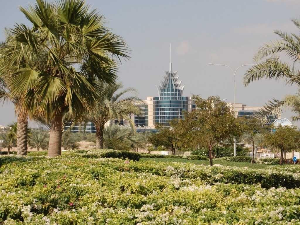 Vacations2Discover Dubai, UAE Dubai, Uae, Paris skyline