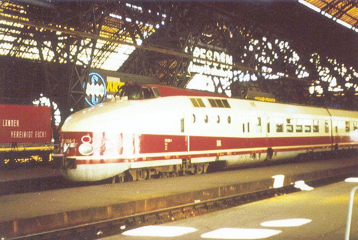 Diesel-Triebwagen175004-4 in Dresden Hbf 1979 | Flickr - Photo Sharing!