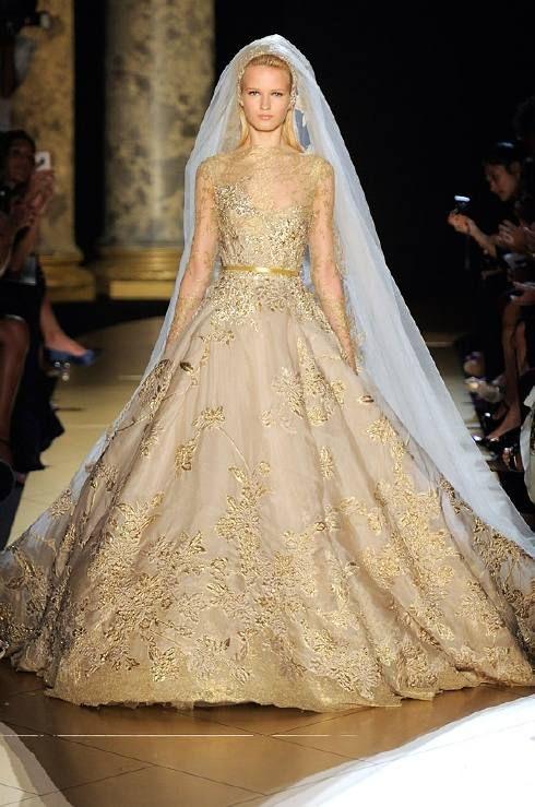 Vestido novia color oro