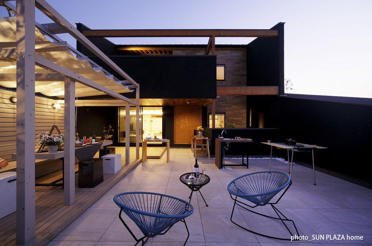 自宅屋上で楽しむ贅沢時間 日本初のグランピングテラスを自宅に 住宅 屋根のデザイン ハウス