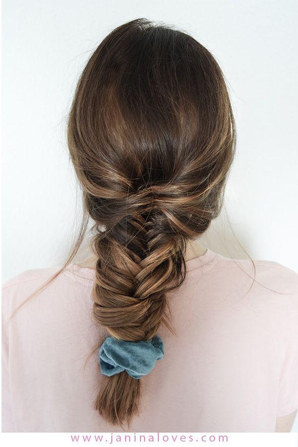 Scrunchie Haargummi 5 Arten Den Trend Der 90er Zu Stylen Geflochtene Frisuren Flechtfrisuren Flechtfrisur Lange Haare