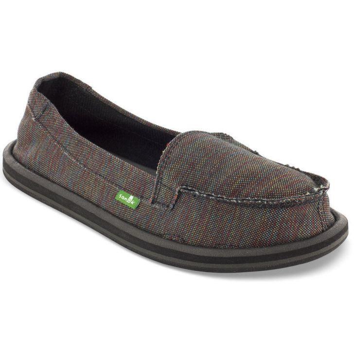 Slipper Sanuk Shorty, seja destaque.Com toda a garbosidade dos calçados delicados e contemporâneos, o Slipper Sanuk Shorty é perfeito para as moças autênticas. É estiloso e tem aspecto moderno. Projetado com materiais de qualidade, é resistente e durável. A Sanuk desenvolveu este tênis priorizando a autenticidade. Os looks ficarão lindos com o SlipperSanuk Shorty.Slipper Sanuk Shorty, feito para garotas raras, seja destaque;Cabedal: Couro sintético e lona;Solado: Borracha;Palmilhas…