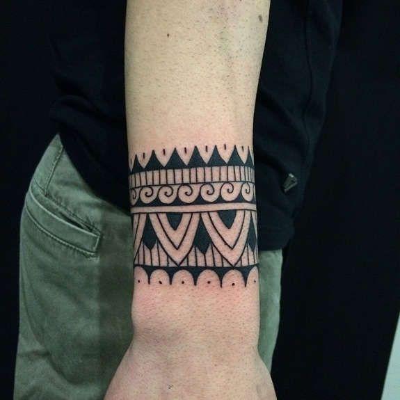 valentina eclipse tattoo beautiful tribal wristband tattoo designs henna tats pinterest. Black Bedroom Furniture Sets. Home Design Ideas