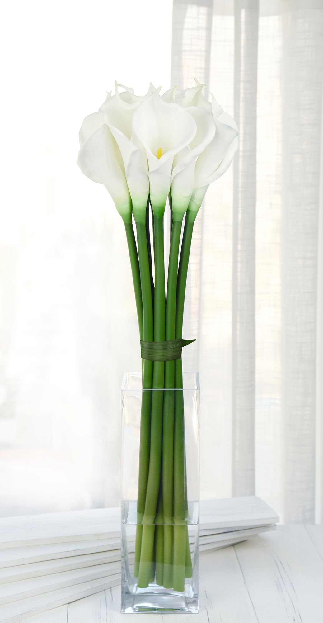 Fiveseasonstuff 6 Long Stems Of Real Touch Artificial Calla Lily Flowers Bouquet For In 2020 Modern Flower Arrangements Calla Lily Flowers Flower Arrangements Simple