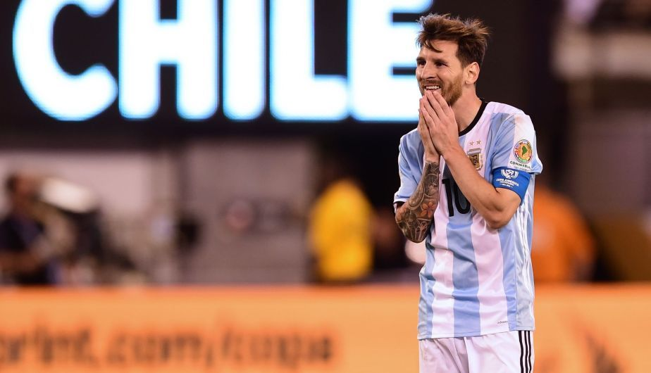632845a05 Argentina s Lionel Messi gestures during the Copa America Centenario final  against Chile in East Rutherford