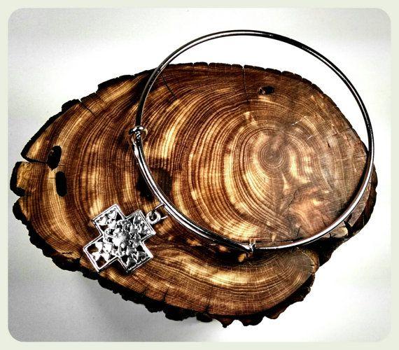 My #handmade #silver #filigree #cross #bracelet @etsy https://www.etsy.com/listing/213881464/handmade-silver-filigree-cross-charm #etsy #bohojewelry #etsyjewelry #etsyfinds #boho #crosses #bohobracelet #etsybracelets #etsygifts #etsystyle #etsyme #jewelryonetsy #jewelry #bracelets #bridesmaidsgifts #bridalgifts #bridal #bridalgift #bridesmaids #etsyshop #love #bridesmaidsgift #maidofhonor #bridetobe #etsymatch