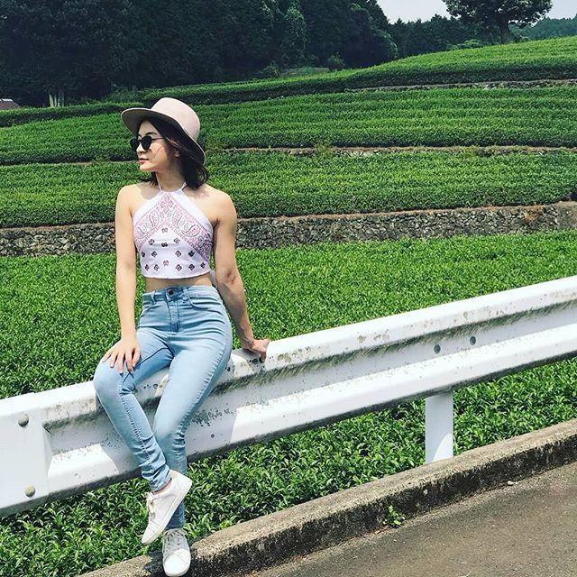 Wutt Hmone Shwe Yi   White dress