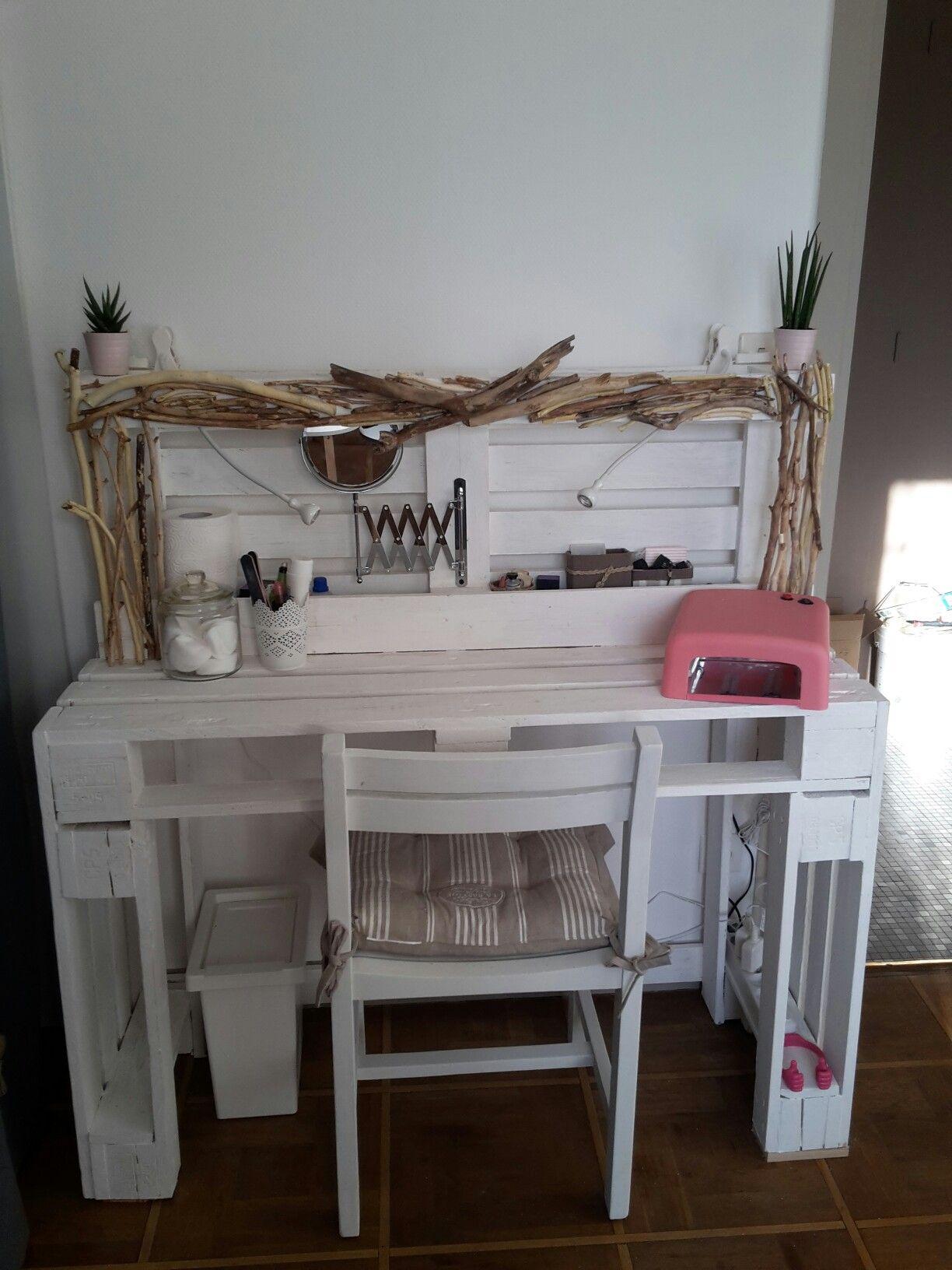 pingl par marie gouriou sur coiffeuse palette pinterest coiffeur deco chambre et bureau. Black Bedroom Furniture Sets. Home Design Ideas