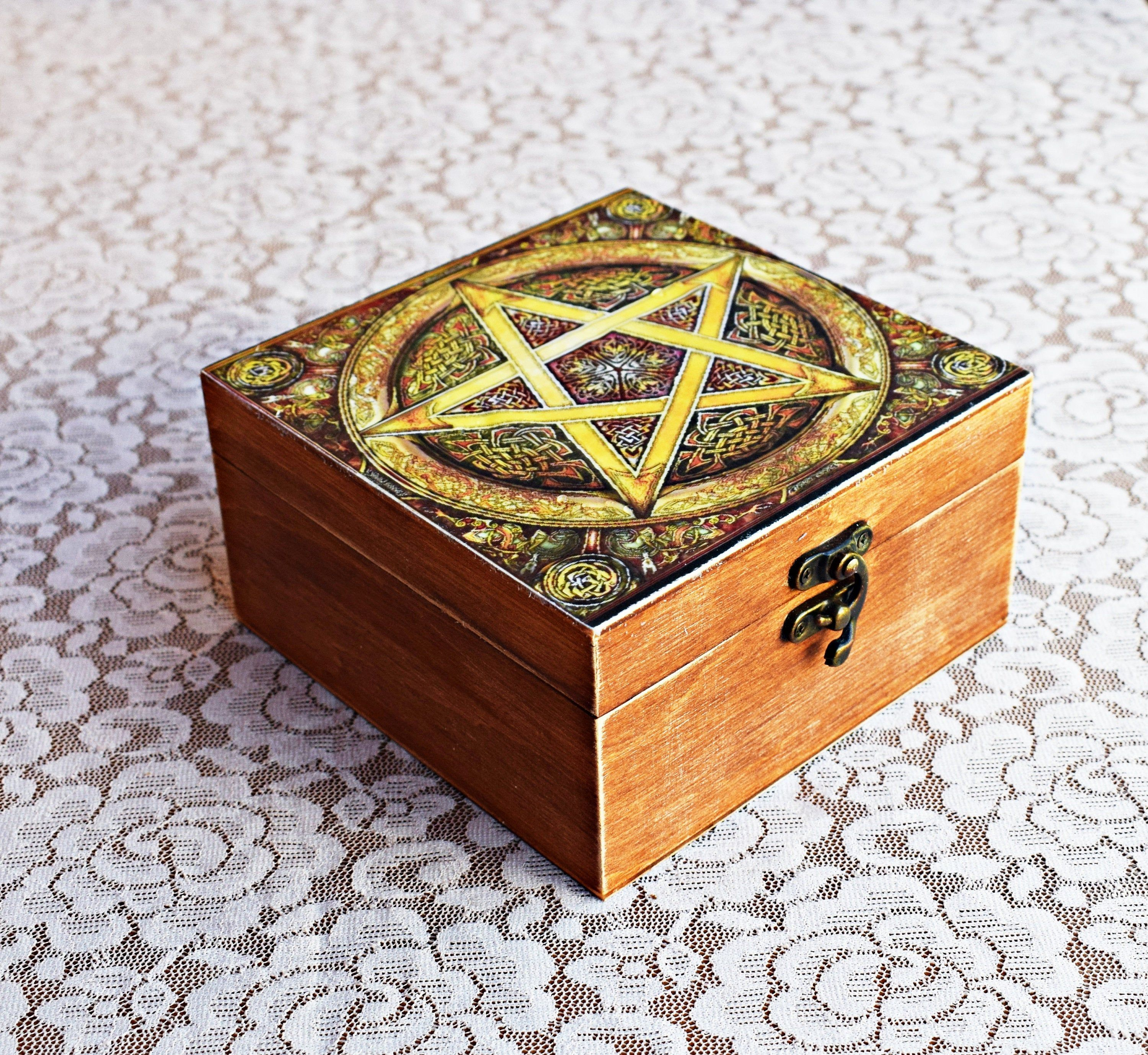 Pentagram Altar Witch Box, Pentagram Carved Wooden jewelry Box, Personalized memory Pentacle Wiccan decor, custom pentagram witch gift box #wiccandecor Pentagram Altar Witch Box, Pentagram Carved Wooden jewelry Box, Personalized memory Pentacle Wiccan decor, custom pentagram witch gift box Welcome to our store. In this shop you will find unique wooden boxes made to your order, all boxes are handmade. Materials: High quality wood, environmentally friendly materials. Production time is 2-5 days. #wiccandecor