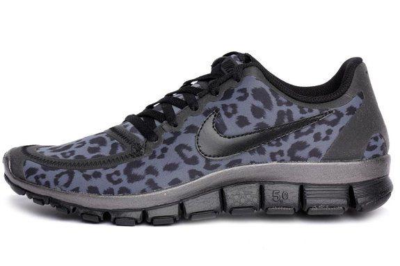 dd6ebfe48b6ba Nike Womens Free 5.0 V4 Gray Red White running-shoes US 7 NIB ...
