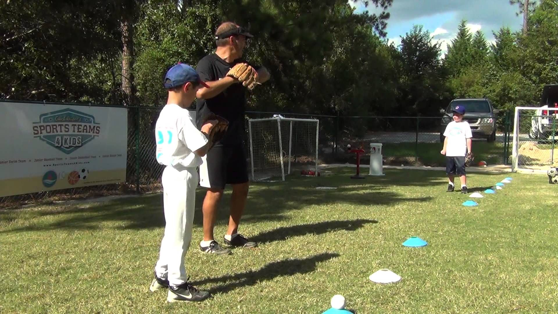Learning How To Throw The Baseball Correctly 7 8 Year Olds Baseball Boys Kids Baseball Baseball Drills