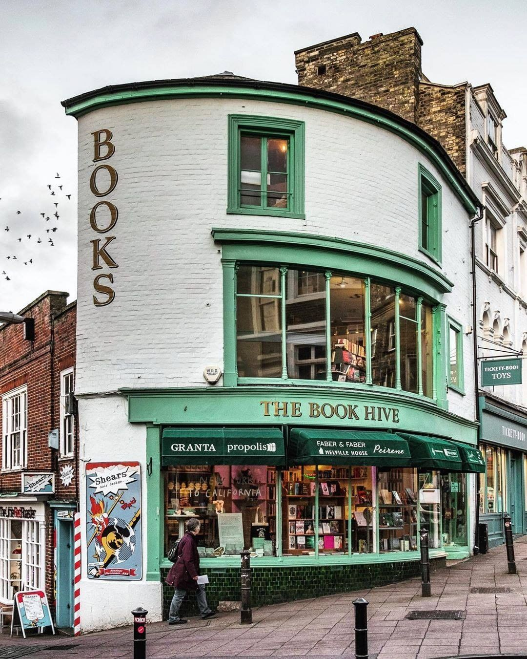 Voyaged By 9gag On Instagram Did You Know That From The Middle Ages Until The Industrial Revolution Norwich Was The Largest In 2020 Bookstore Photo Wanderlust Book