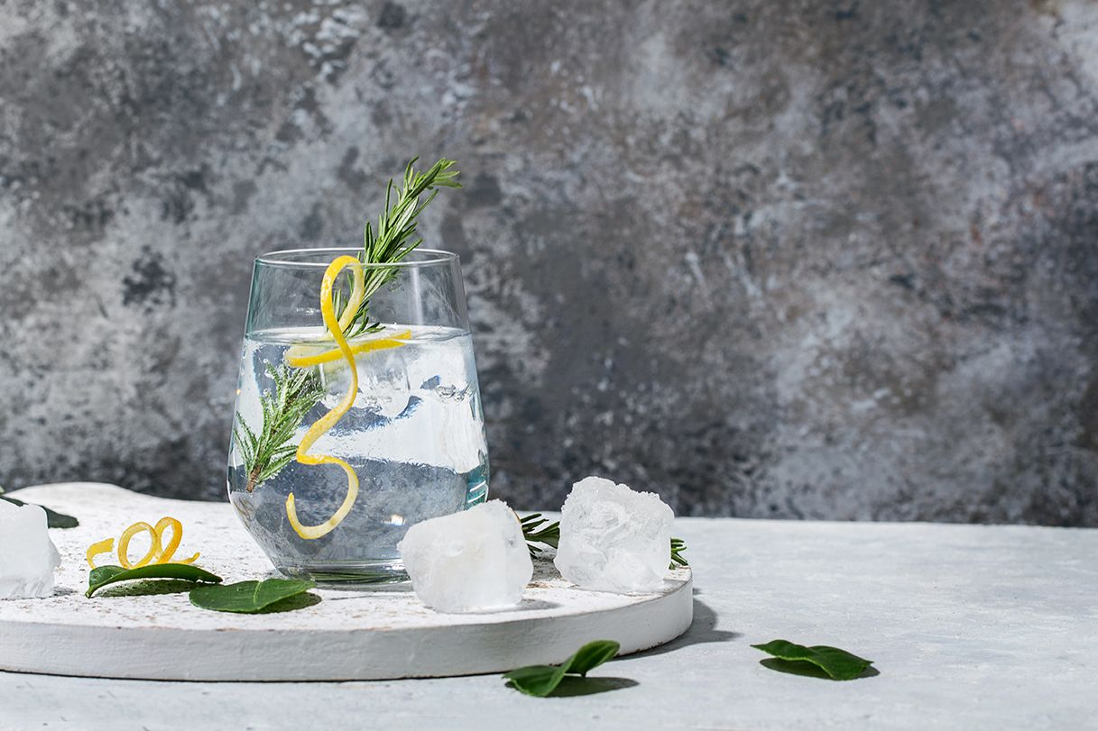 Bathtub Gin Tubsky Gin And Tonic Craft Gin Gin Tonic Recipe