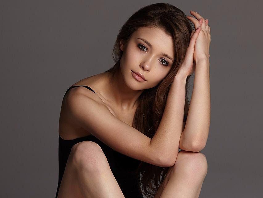 Mila Azul | Beautiful women, Women, Beautiful