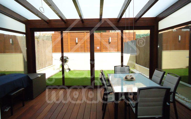 Tarima y acristalado 800 500 cerramiento porches - Porches de aluminio y cristal ...