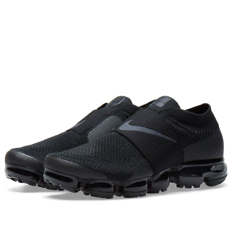 san francisco 673f2 4718e Here, Nike present a fan-friendly iteration of their Air Vapormax Flyknit  Moc. One for the girls, this all-black Women s pair are built with  signature ...