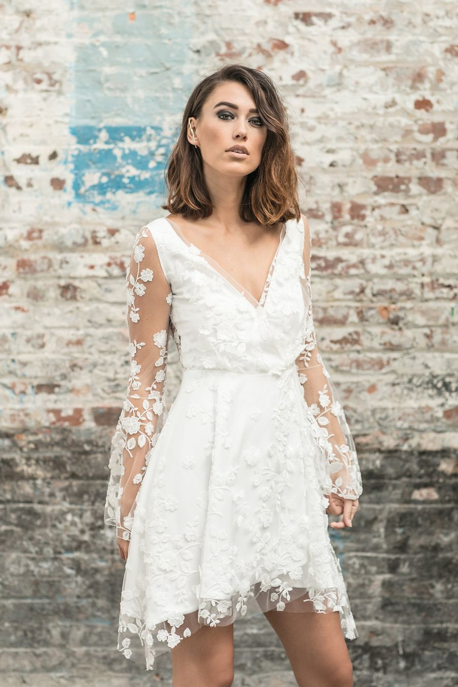Short Wedding Dress Are Perfect For Spring Or Summer Weddings Click Through Our Short Wedding Dress Long Sleeve Short Wedding Dress Knee Length Wedding Dress [ 1350 x 900 Pixel ]