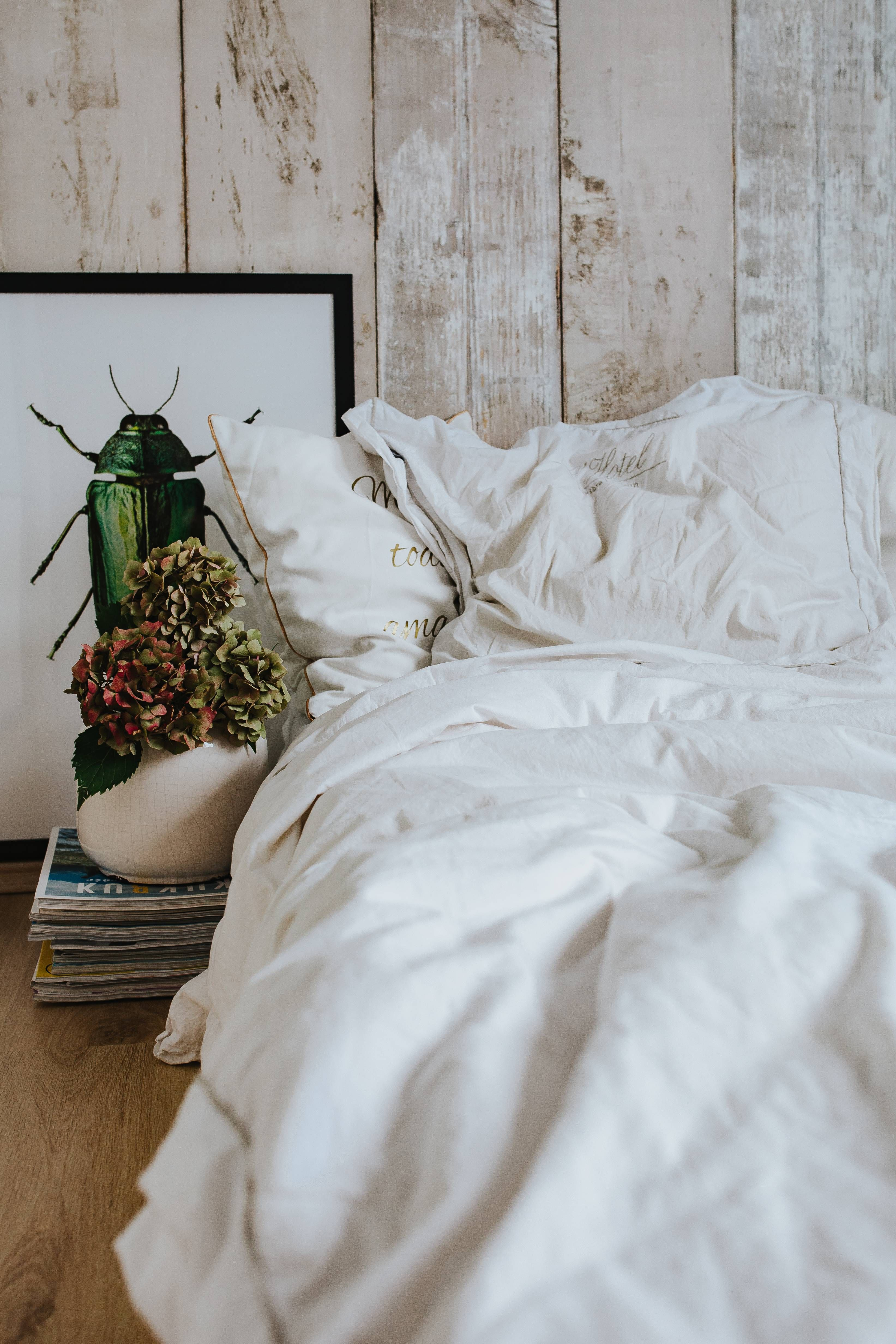 White Wood Planks For Your Bedroom Rustic Design Interior Wood Wall Bedroom Bed Pillow Remodel Bedroom Kids Bedroom Remodel Small Bedroom Decor
