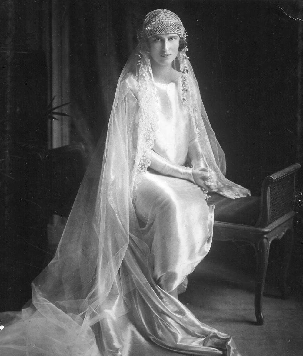 Wedding Of Princess Olga Of Greece And Denmark And Prince Paul Of Yugoslavia Prince Paul Greek Royal Family Greek Royalty [ 1177 x 1000 Pixel ]