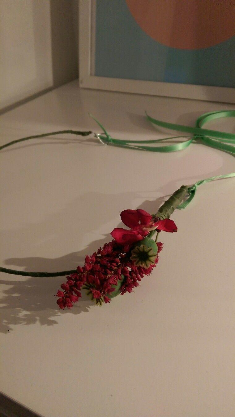 Haarreif Mit Blumen Blumenschmuck Haare Pinterest