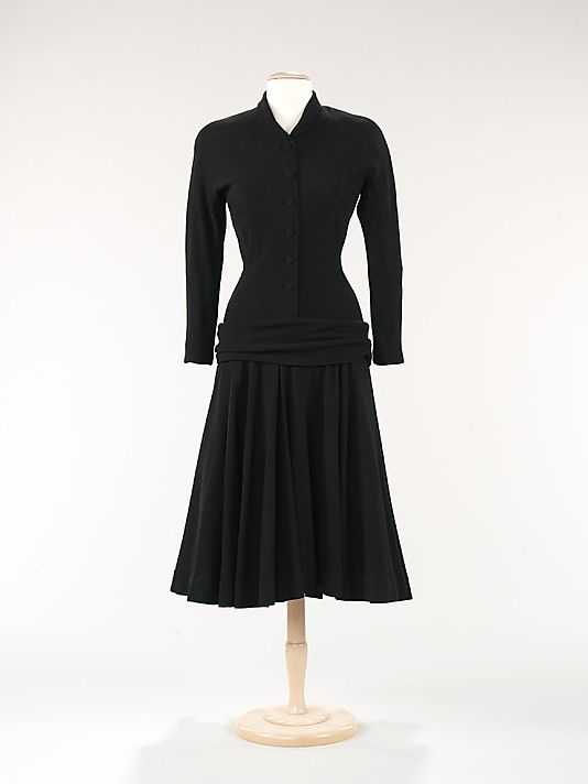 Dress  House of Balenciaga  (French, founded 1937)  Designer: Cristobal Balenciaga (Spanish, 1895–1972) Date: fall/winter 1947 Culture: French Medium: wool