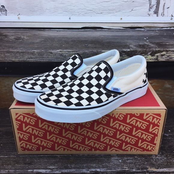 aed3801564c200 Shop Women s Vans Black Cream size 7.5 Sneakers at a discounted price at  Poshmark. Description  Vans slip on shoes in the checkered pattern.