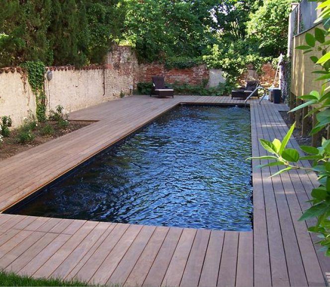 Photos de piscines avec revêtement noir / sombre