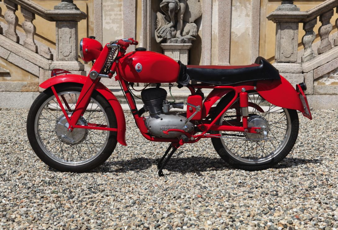 1953 maserati 125 motorbike maserati only made motorbikes. Black Bedroom Furniture Sets. Home Design Ideas