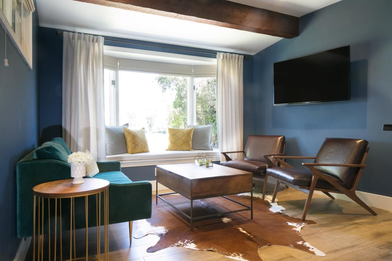 Blue Midcentury Living Room With Window Seat   HGTV   Interior ...
