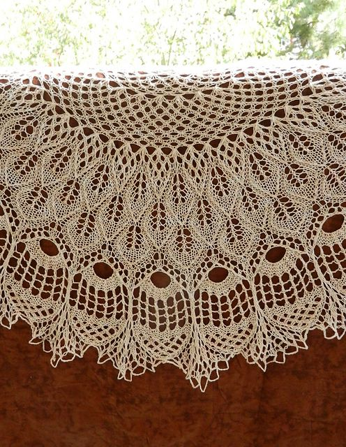 Renaissance Shawl pattern by Anne-Lise Maigaard | Lorena | Pinterest ...