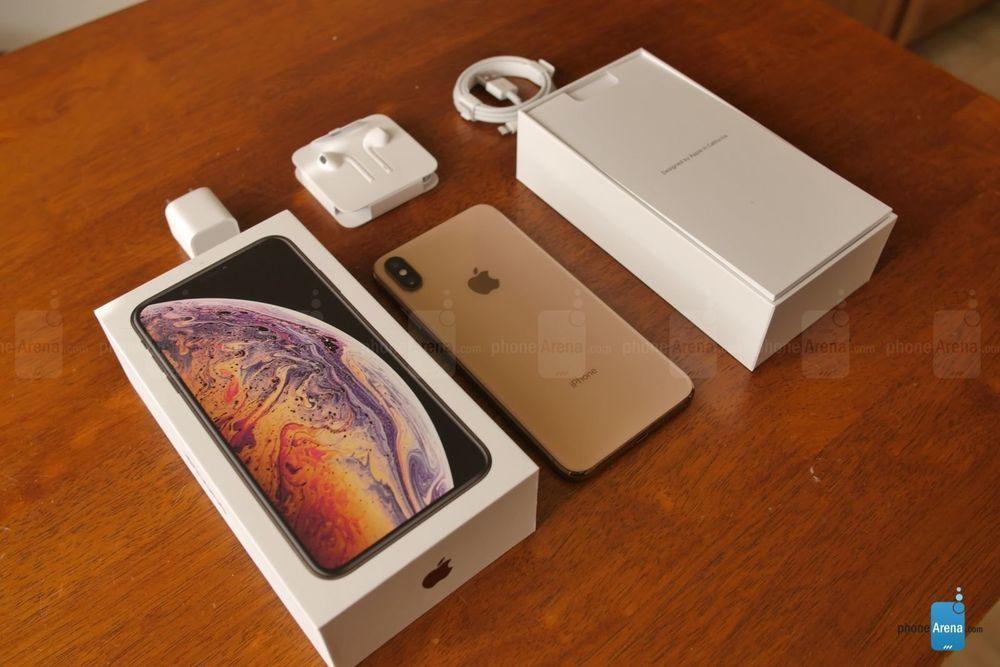 Apple iPhone XS Max 64GB Gold (Unlocked) A1921 (CDMA