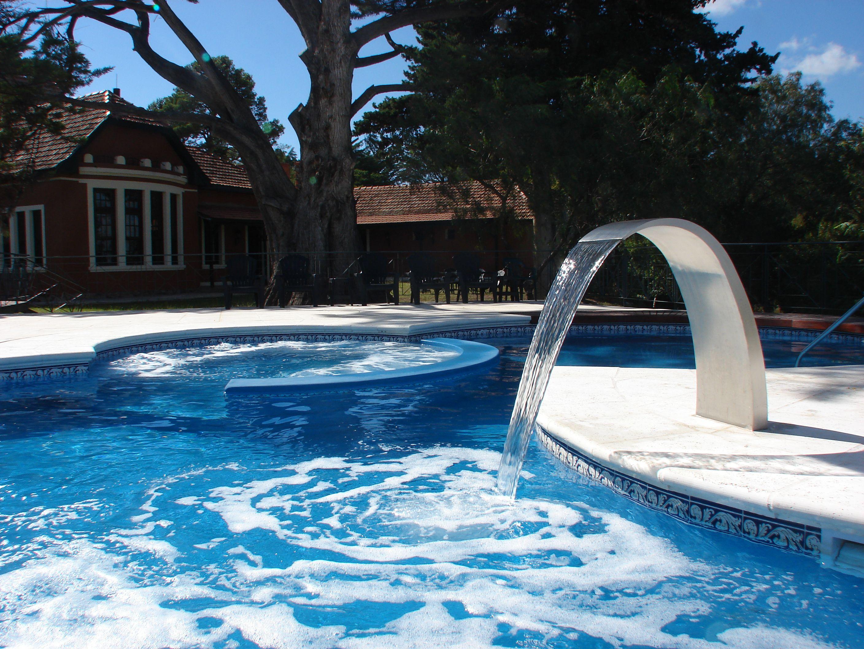 HOTEL VILLA ART - CORDOBA - ARGENTINA - PISCINA - HIDRO - SALRIUM HUMEDO - RETORNOS DE ACERO INOXIDABLE - WELLNESS - DECK - ILUMINACION SUBACUATICA