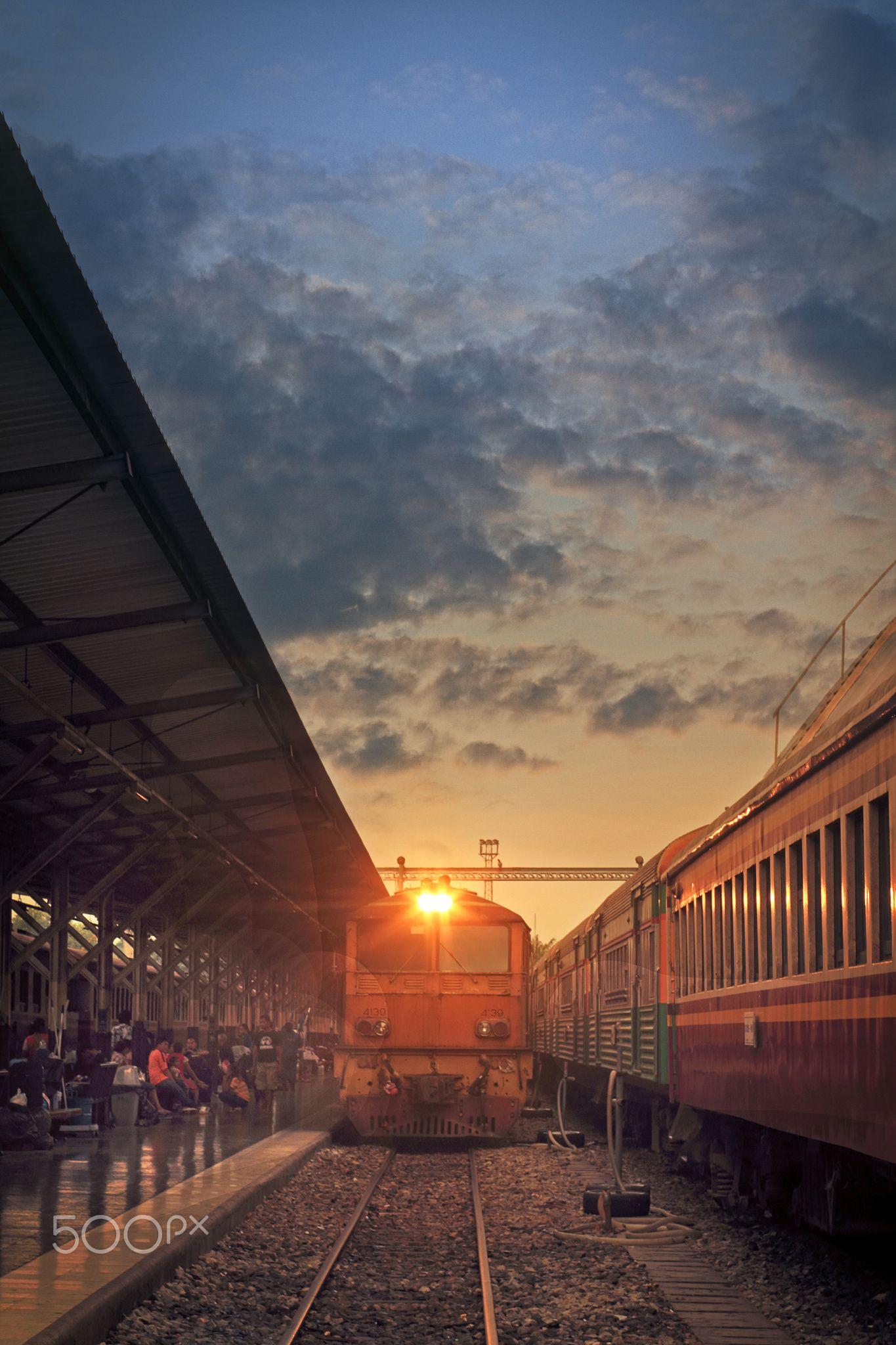 Before Sunset - Bangkok train sttion : Thailand