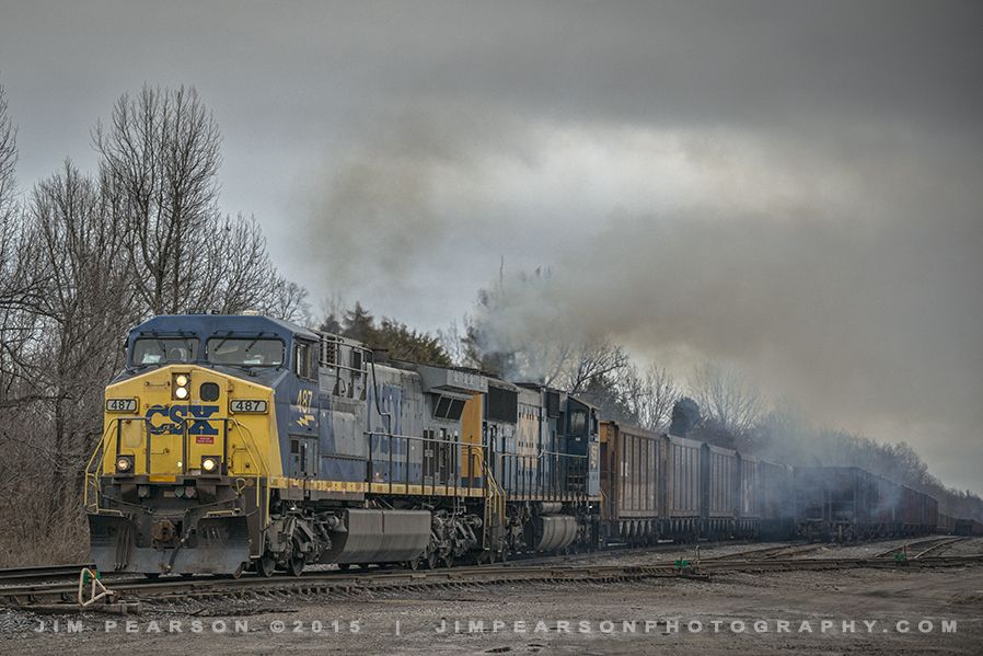 March 10 2015 Csx Engines 487 And 4556 Pull Out Of Paducah And